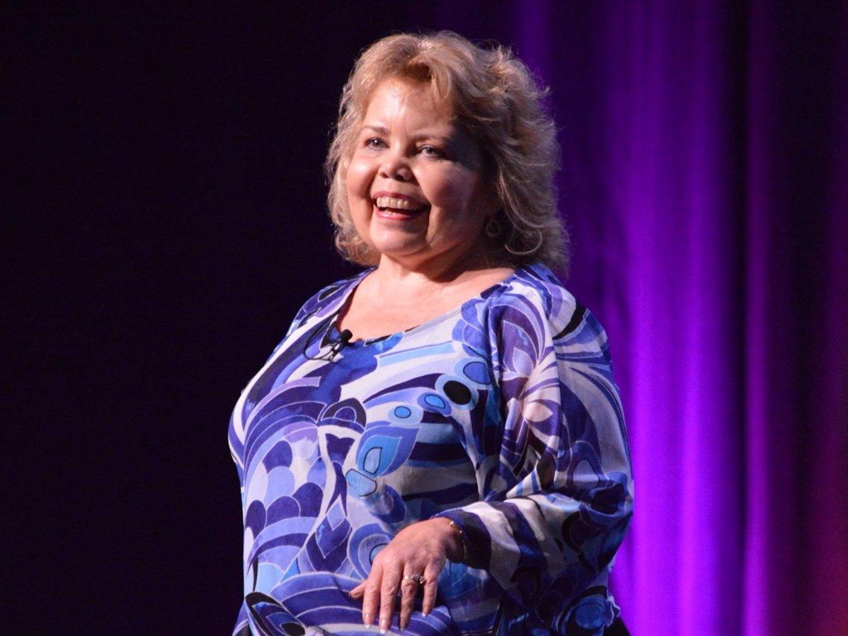 Lori Hartwell - public speaker - kidney disease- kidney disease survivor